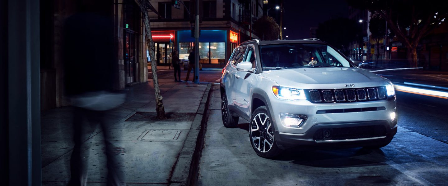 2019-Jeep-Compass-Overview-Hero-Winter-Limited