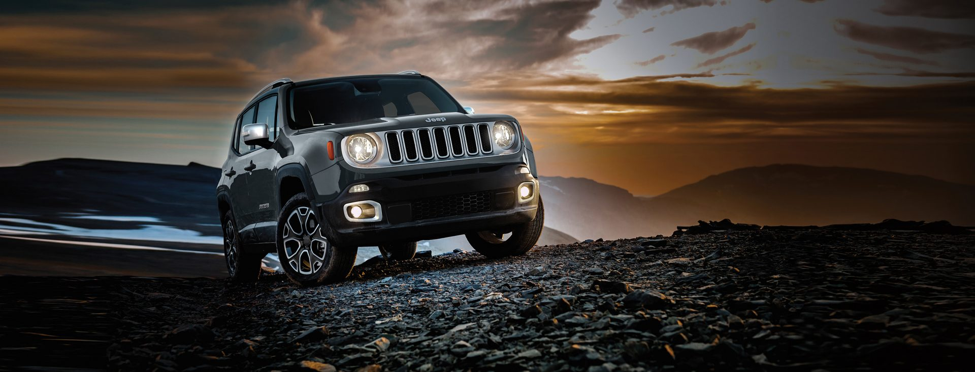2017-Jeep-Renegade-VLP-Hero-Limited